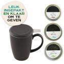 Thee cadeaupakket met zwarte theemok en infuser, speciaal voor de theeliefhebber